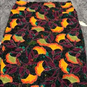 NWOT Super cute colors for fall Floral pencilskirt